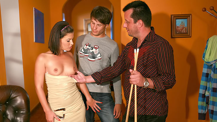 Spunky Wifey Boinks Stranger