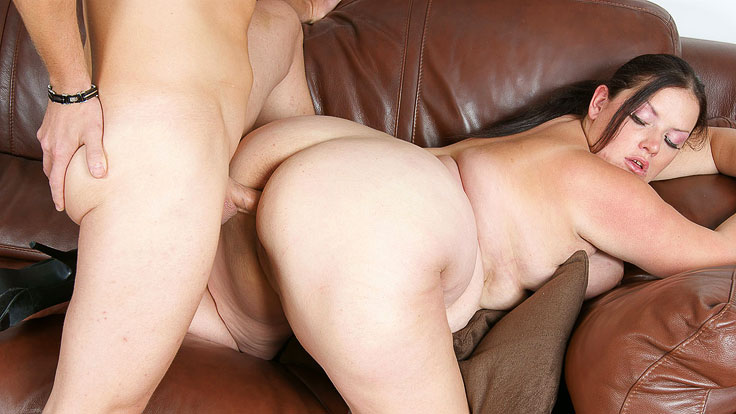 Youthfull Fattie Photographed And Pulverized