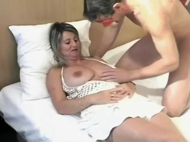 Hottest Fledgling Tweak With Enormous Hooters, Tights Episodes
