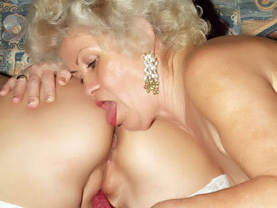 Red-hot Elder Femmes Frolicking With A Faux-cock
